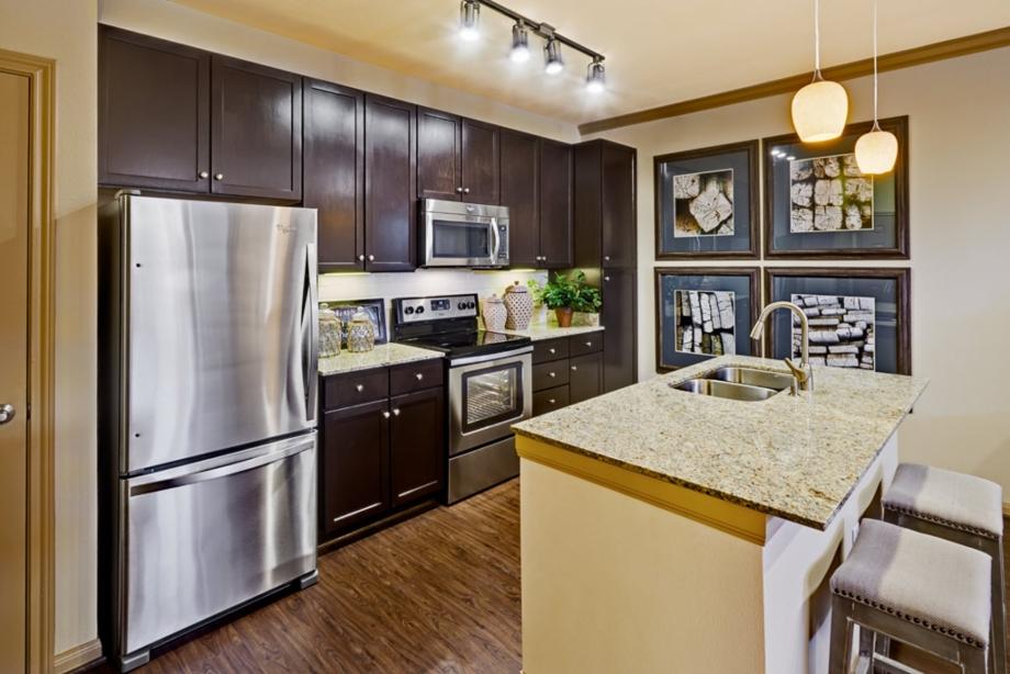 Camden La Frontera Apartments Corporate Suites