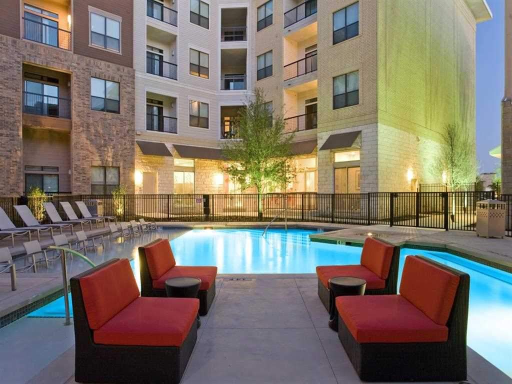 Mosaic at mueller furnished temporary apartments texas for Furnished 1 bedroom apartments austin tx